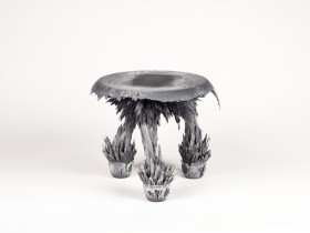 Gravity_stool_zwart-wit_Transnatural02